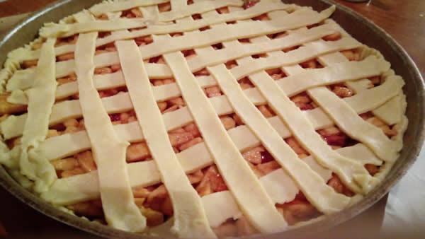 Američka pita sa jabukama i višnjama