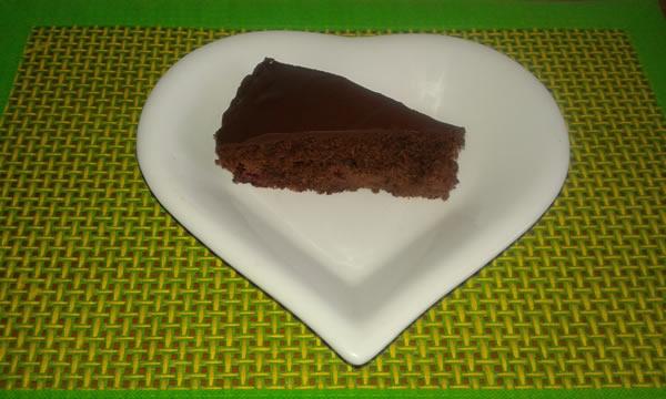 Čokoladni tart sa višnjama