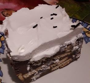 Keks torta sa C šlagom