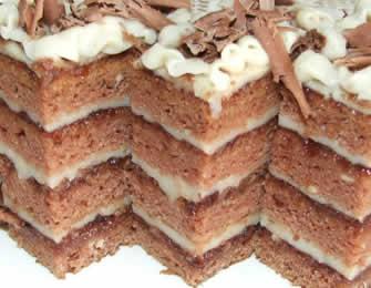 Posna čokoladna ananas torta