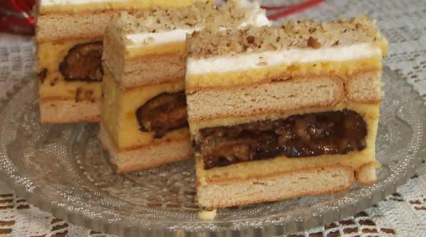 Posna torta sa medenim srcem