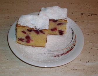 Bakin kolač sa višnjama