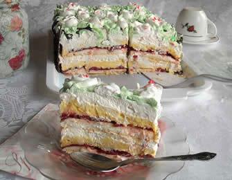 Beze torta sa višnjama