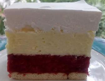 Brzi trobojni kolač sa malinama