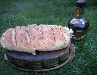 Hleb sa sirom i čvarcima