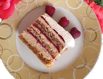 Malina-lešnik torta