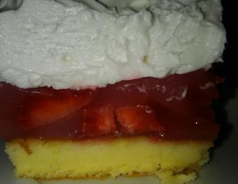 Voćni kolač sa jagodama