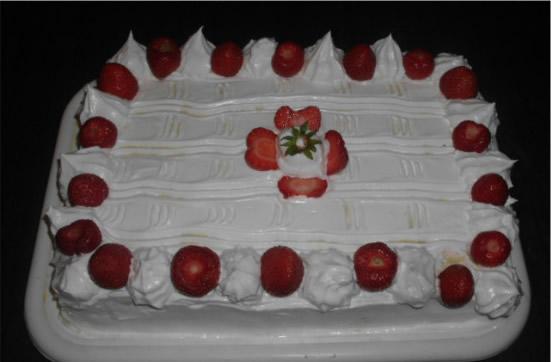 Vanil krem torta sa jagodama